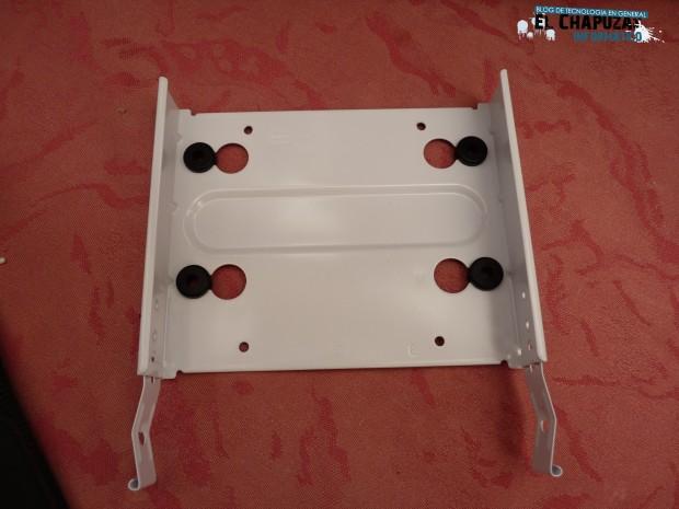 Fractal Design Core 3000 Bahias 3 e1311437897370 Review: Fractal Design Core 3000