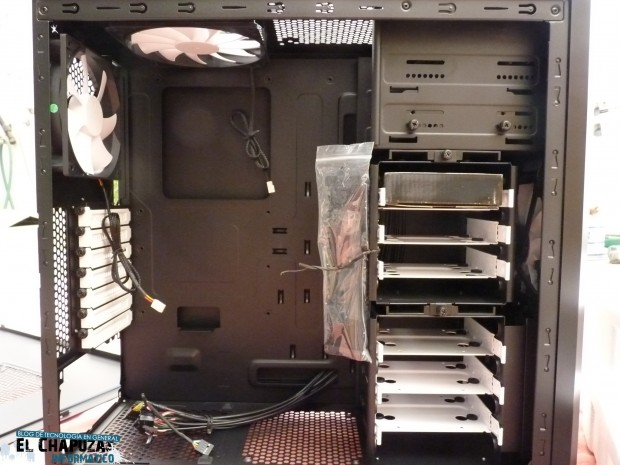 Fractal Design Core 3000 Interior 1 e1311440139905 10