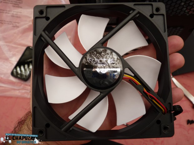 Fractal Design Core 3000 Ventilador 1 e1311439810330 Review: Fractal Design Core 3000