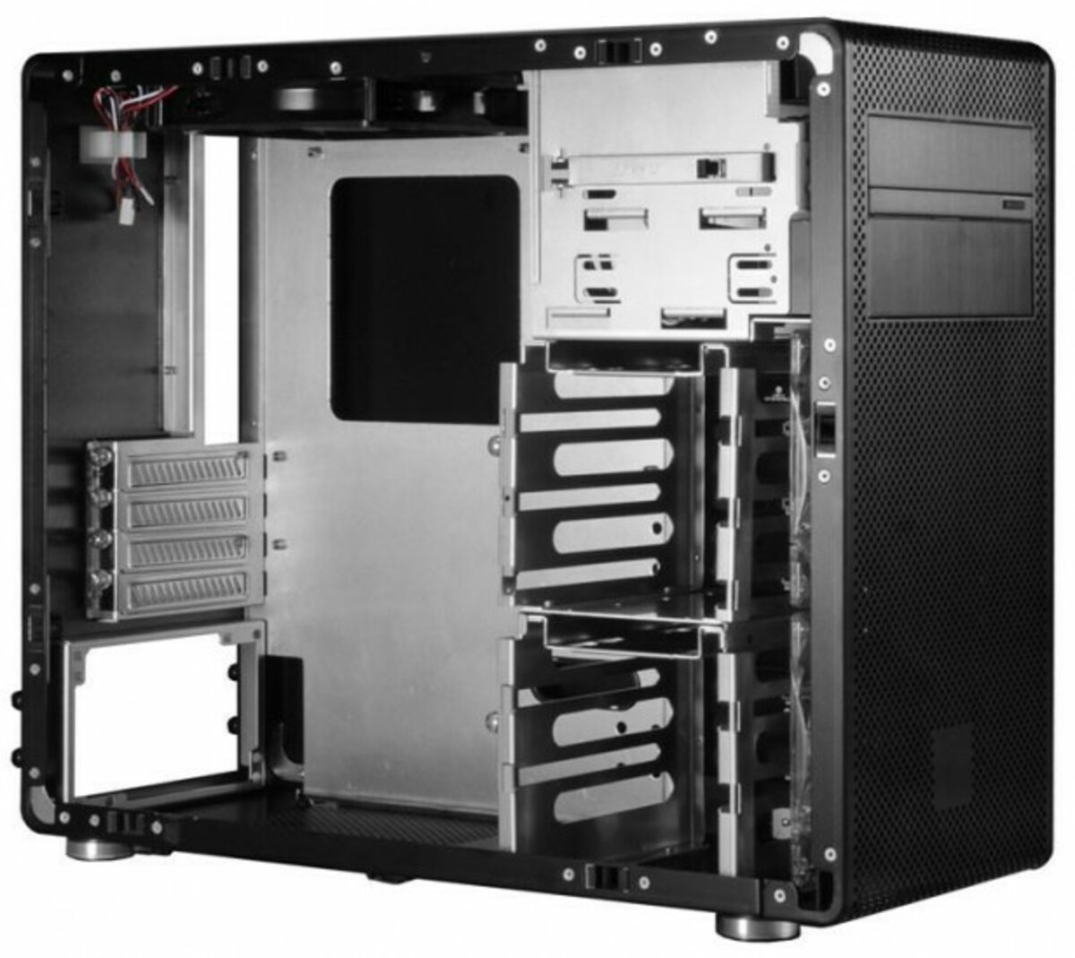 Lian Li PC V600F Negra Interior e1309892969309 2