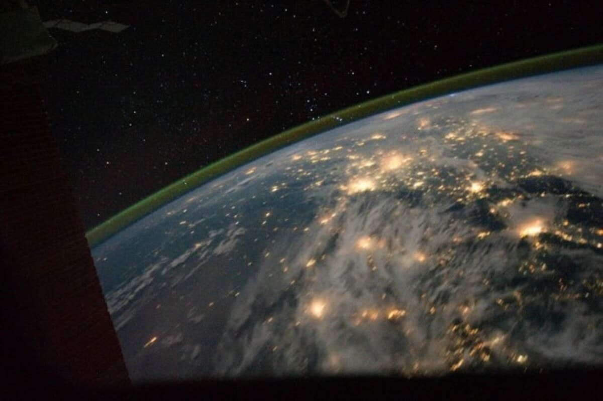 lchapuzasinformatico.com wp content uploads 2011 09 Aurora Boreal ISS 2 e1316463699850 1