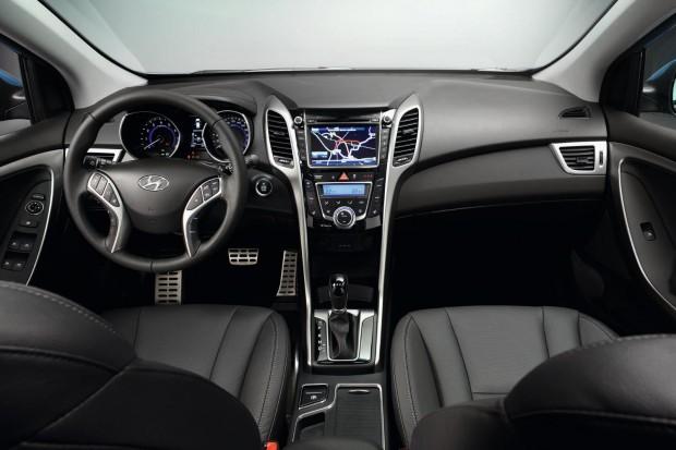 Nuevo Hyundai i30 interior e1315477815432 2