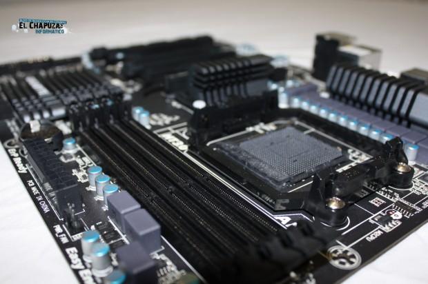 4 e1318793051201 Review: Gigabyte GA 990FXA UD3