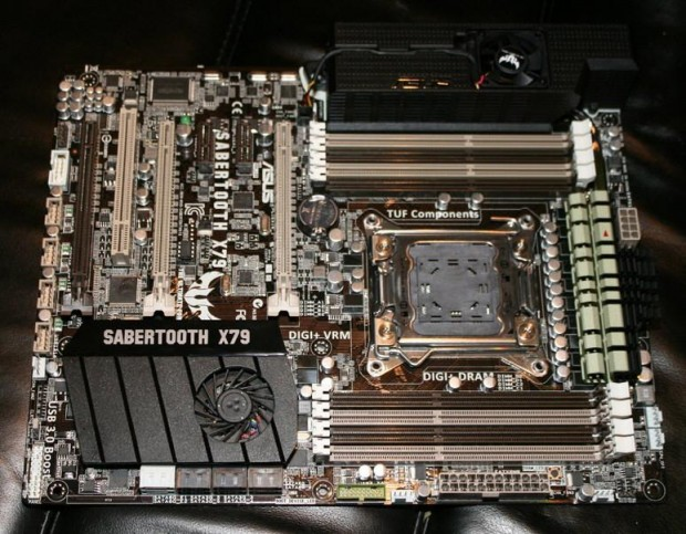 Asus Sabertooth X79 1 e1319625167732 0
