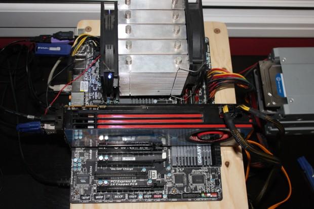 Gigabyte GA 990FXA UD3 Montaje e1318799370249 Review: Gigabyte GA 990FXA UD3