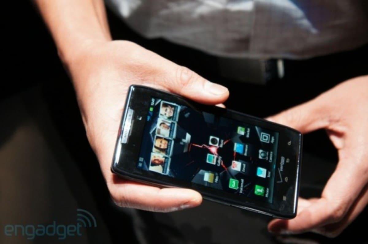 lchapuzasinformatico.com wp content uploads 2011 10 Motorola RAZR 8 e1318961050235 7