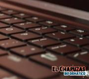 Fujitsu SH771: El Ultrabook de gama alta con pico proyector