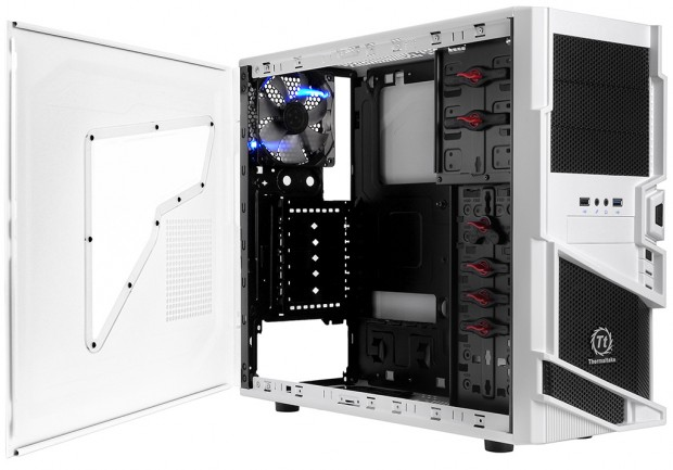 Thermaltake Commander MS I Snow Edition 3 e1322675024388 2
