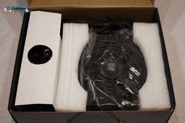 1 LC POWER LEGION X2 CAJA 6 e1322763607878 Review: LC POWER LC1000 1000W V2.3 Legion X2