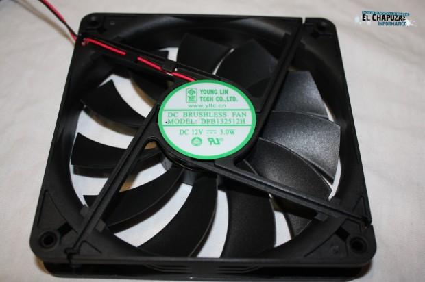 4 LC POWER LEGION X2 INTERIOR 1 e1322764426305 15