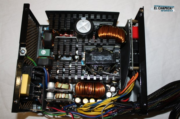 4 LC POWER LEGION X2 INTERIOR 2 e1322764558770 Review: LC POWER LC1000 1000W V2.3 Legion X2
