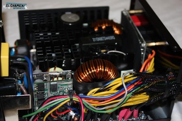 4 LC POWER LEGION X2 INTERIOR 4 e1322764618218 18