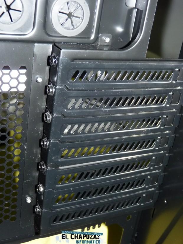 7 LC Power Gaming 971B Infiltrator 6 e1323026370788 26
