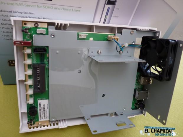 QNAP TS 212 Turbo NAS 10 e1324830918289 11