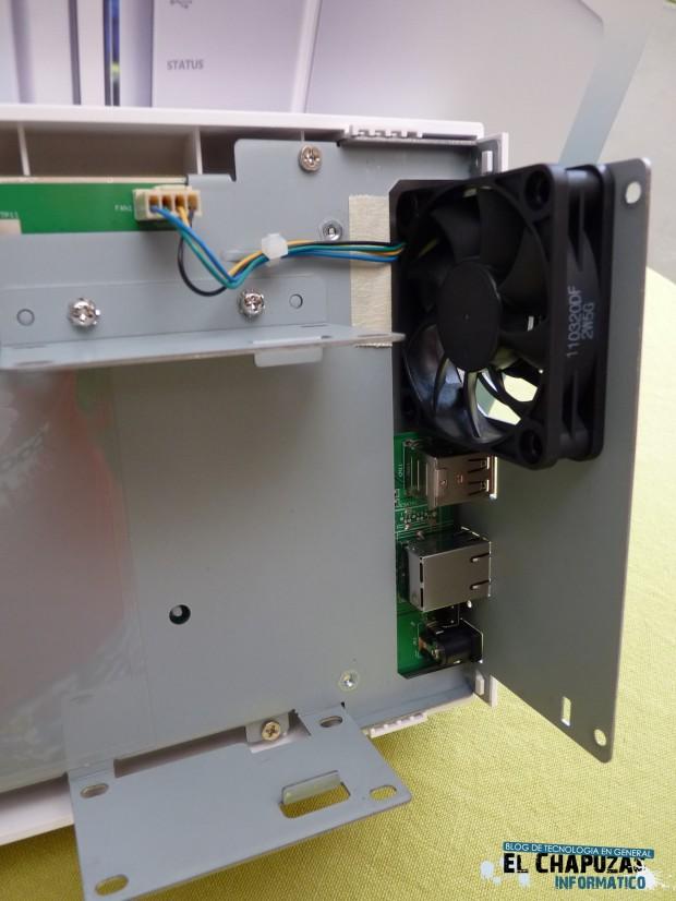 QNAP TS 212 Turbo NAS 8 e1324830821492 9