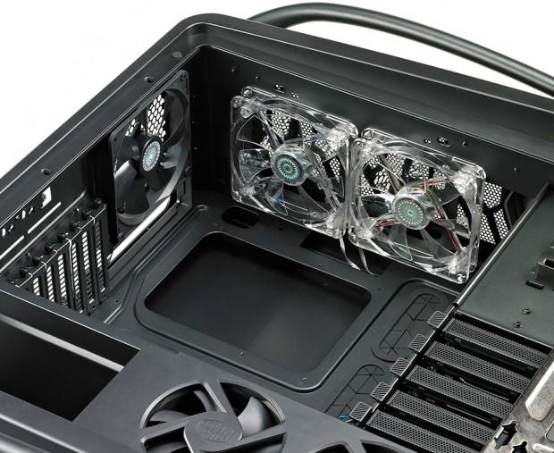 lchapuzasinformatico.com wp content uploads 2012 01 Cooler Master Comos II 5 620x507 4