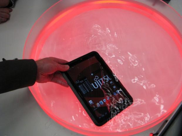 Fujitsu ARROWS Tab WiFi 2 620x465 1
