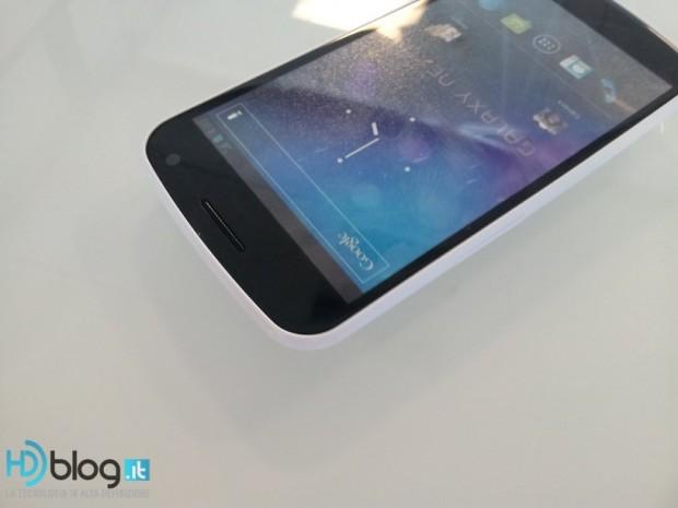 Samsung Galaxy Nexus White 2 620x465 1
