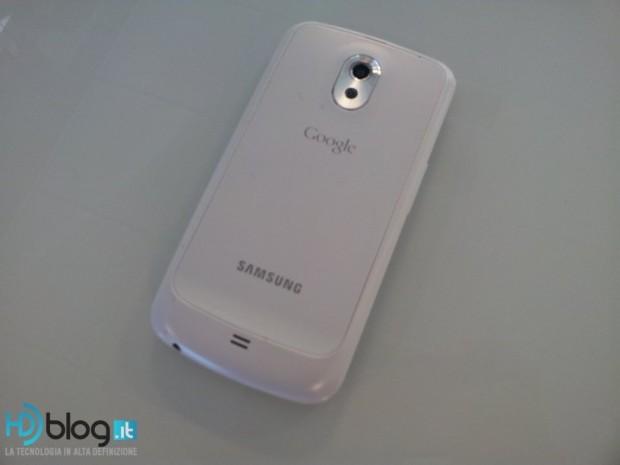 Samsung Galaxy Nexus White 4 620x465 3