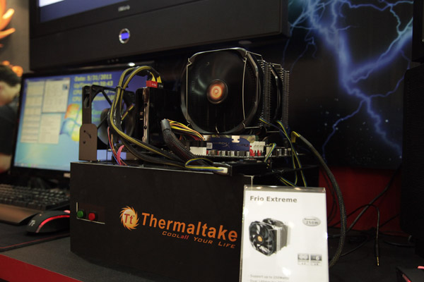 Thermaltake Extreme Frio 2 Thermaltake anuncia los disipadores CPU Extreme Frio y Frio/OCK Snow Edition