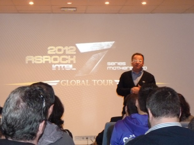 Cooler Master White Ra ASRock GLOBAL TOUR 2012 1 620x465 Asistimos al evento ASRock GLOBAL TOUR 2012
