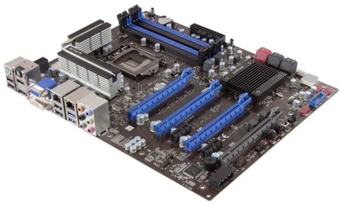 Sapphire lanza la placa base Pure Platinum Z77/K