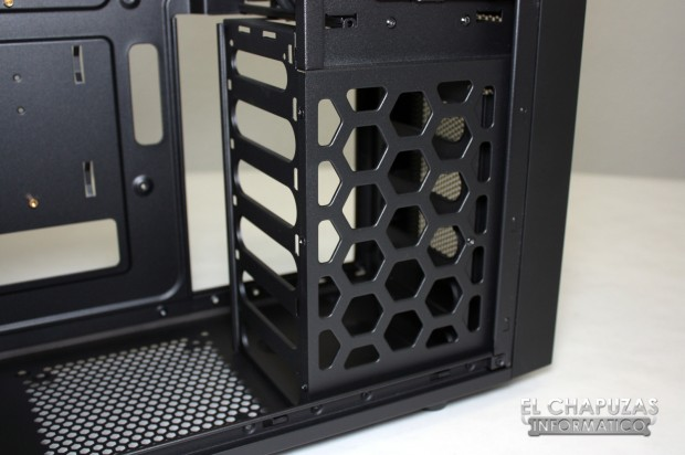Antec One 13 620x412 Review: Antec One