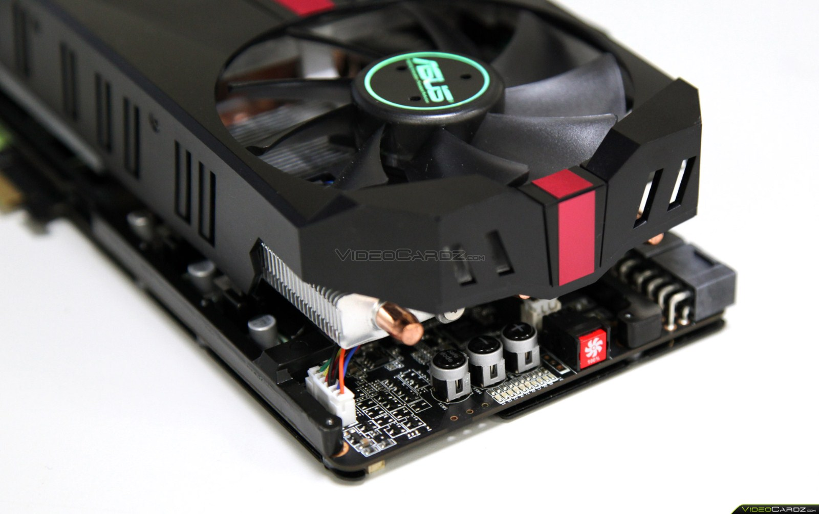 Asus ROG Matrix HD 7970 en imágenes