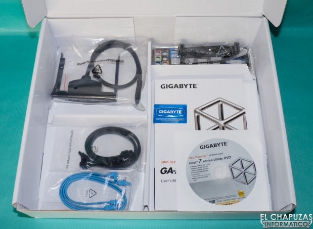 Gigabyte Z77X UD5H 04 619x453 Review: Gigabyte GA Z77X UD5H