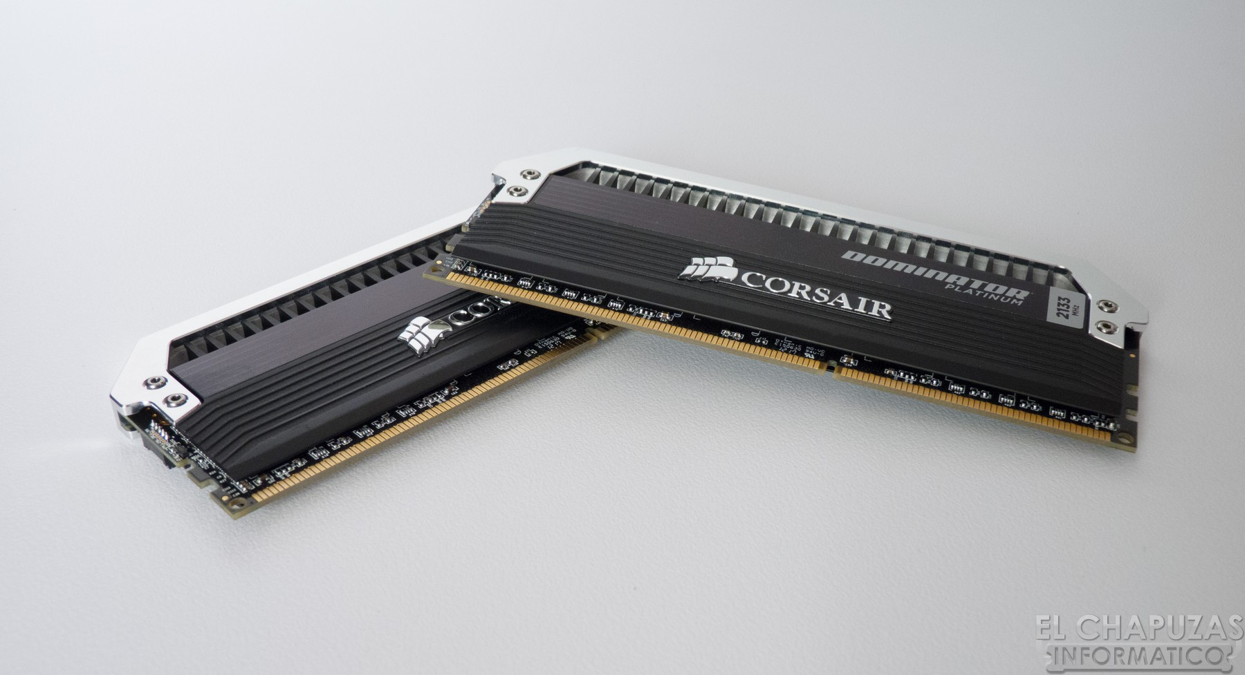 Corsair Dominator Platinum 2133 MHz 16 GB 13
