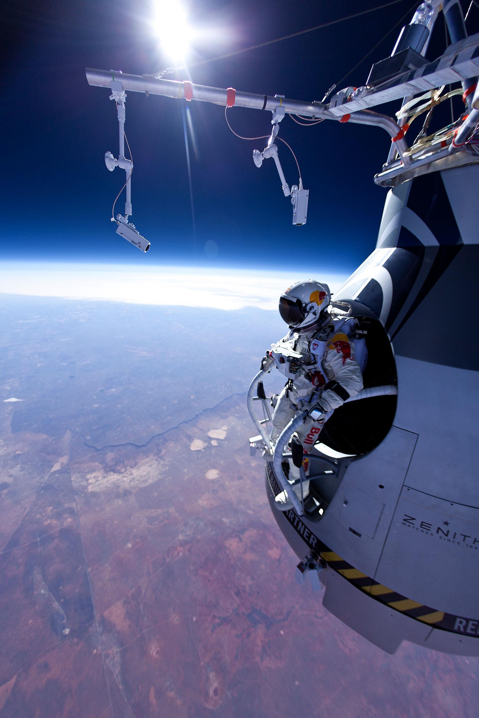 Sigue en directo el salto de Félix Baumgartner desde la estratosfera