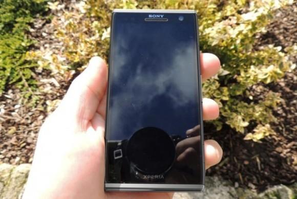 Sony Xperia Odin C650X en imagen
