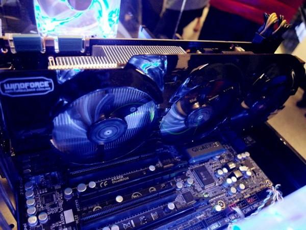 Gigabyte GeForce GTX Titan WindForce 3X (2)