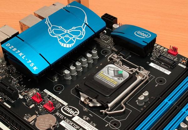 Intel DZ87KLT-75K (2)
