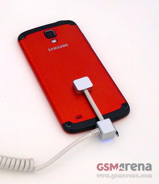 Samsung Galaxy S4 Active (2)