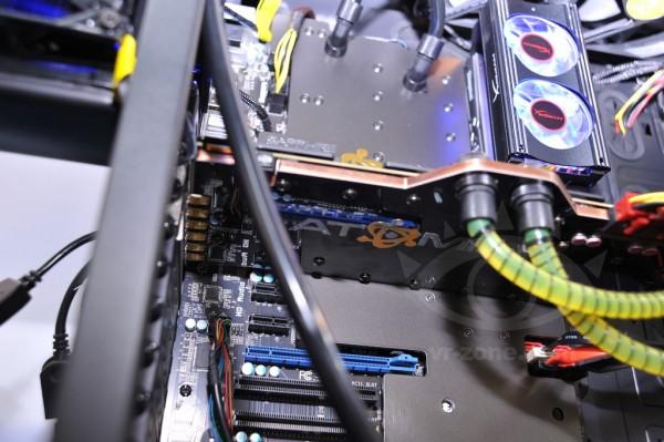 Sapphire Radeon HD 7990 ATOMIC Edition (3)