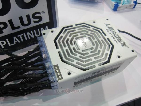 Super Flower Leadex 1000W 80 Plus Platinum (1)