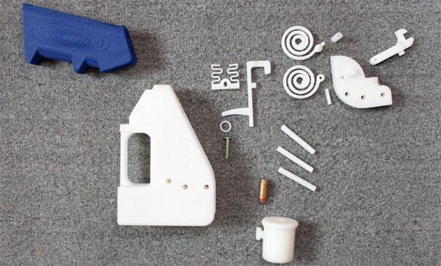 Pistola impresa en 3D con plástivo VisiJet vs plástico ABS