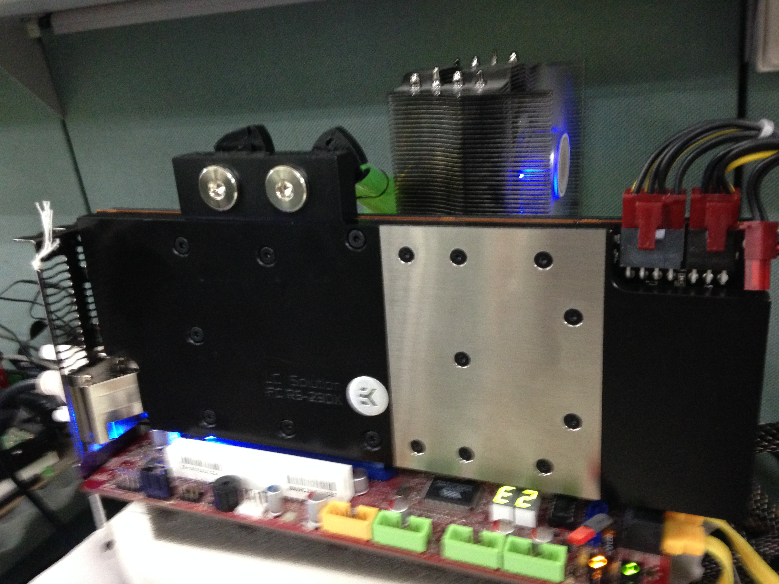 PowerColor Radeon R9 290X LCS (1)