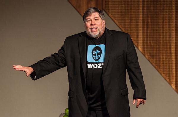 Steve Wozniak pujaría por un smartphone Apple con Android