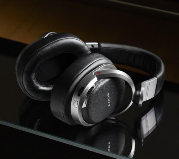 Sony MDR-HW700DS (1)