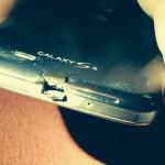 HTC tira de voluntad ante un ardiente Galaxy S4