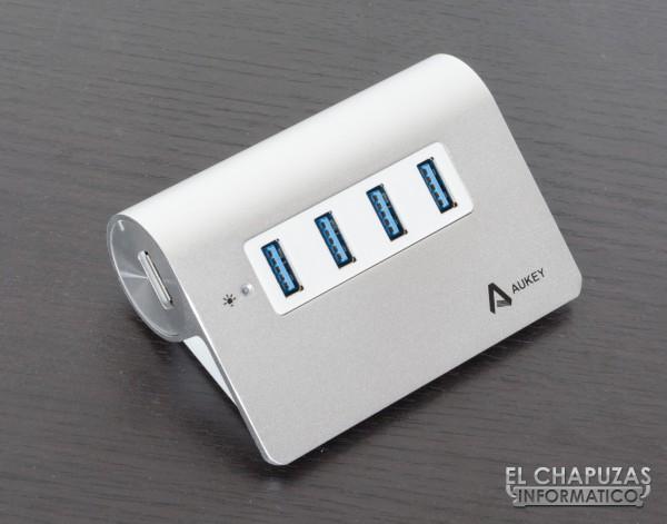 Anker CB-05 04