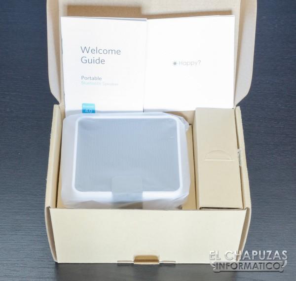 Anker Portable Bluetooth Speaker 03