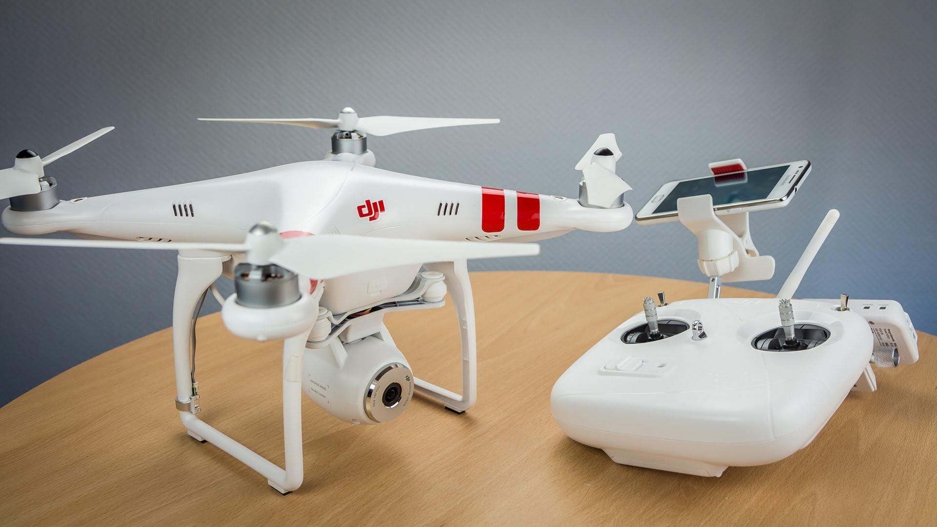 5 drones sobrevuelan puntos estratégicos de París