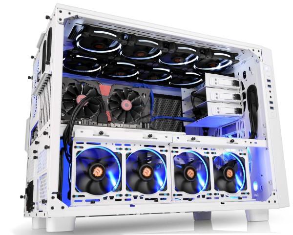 Thermaltake Core X9 Snow Edition (4)