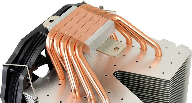 SilentiumPC Fortis 3 HE1425: Disipador con 5 heatpipes en contacto con la CPU