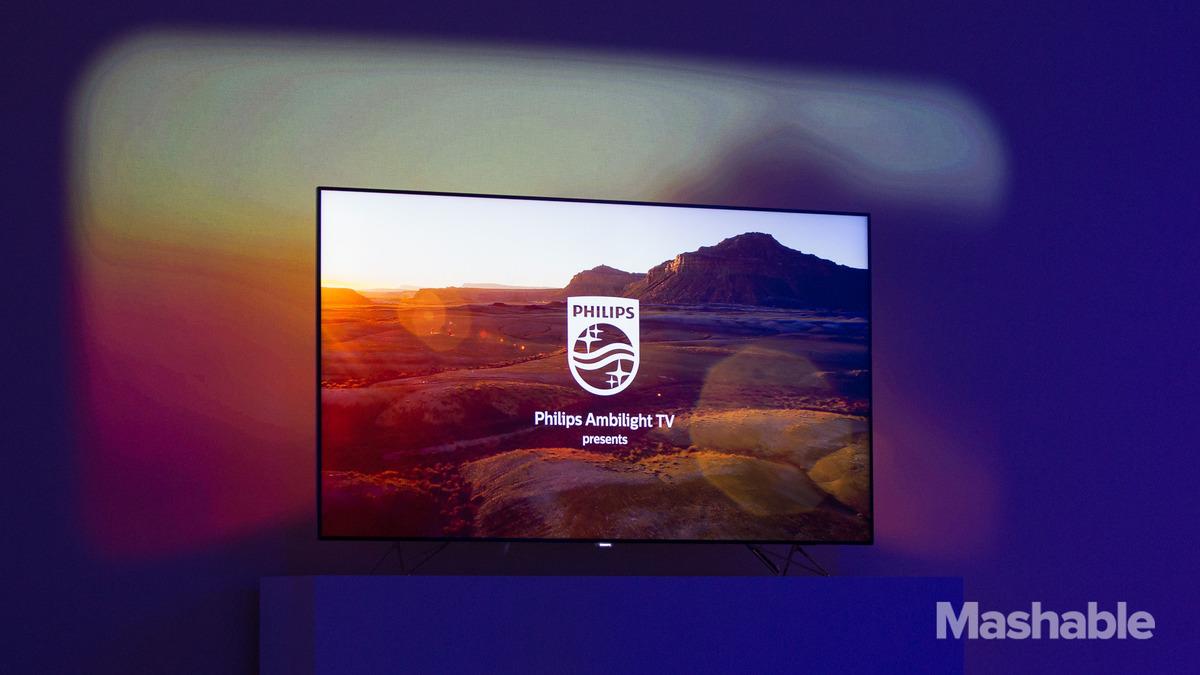 Philips presenta su TV Ambilux 4K con 9 picoproyectores