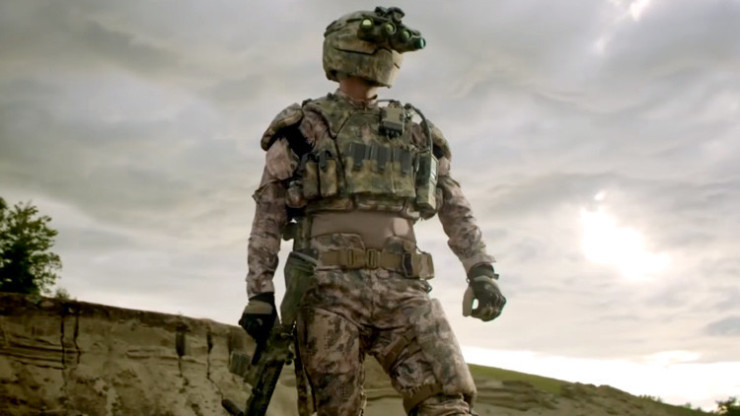 Soldado estadounidense con traje Tactical Assault Light Operator Suit (TALOS)