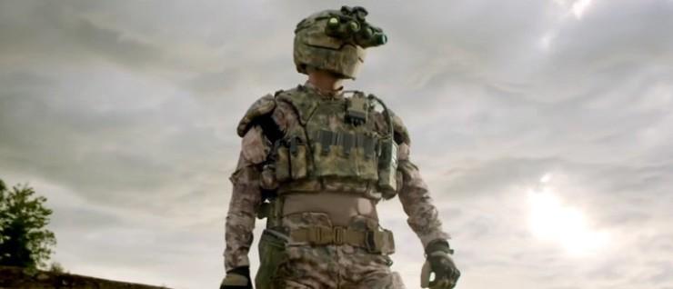 Soldado estadounidense con traje Tactical Assault Light Operator Suit (TALOS) Portada